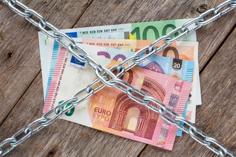与链子的欧洲货币 库存照片