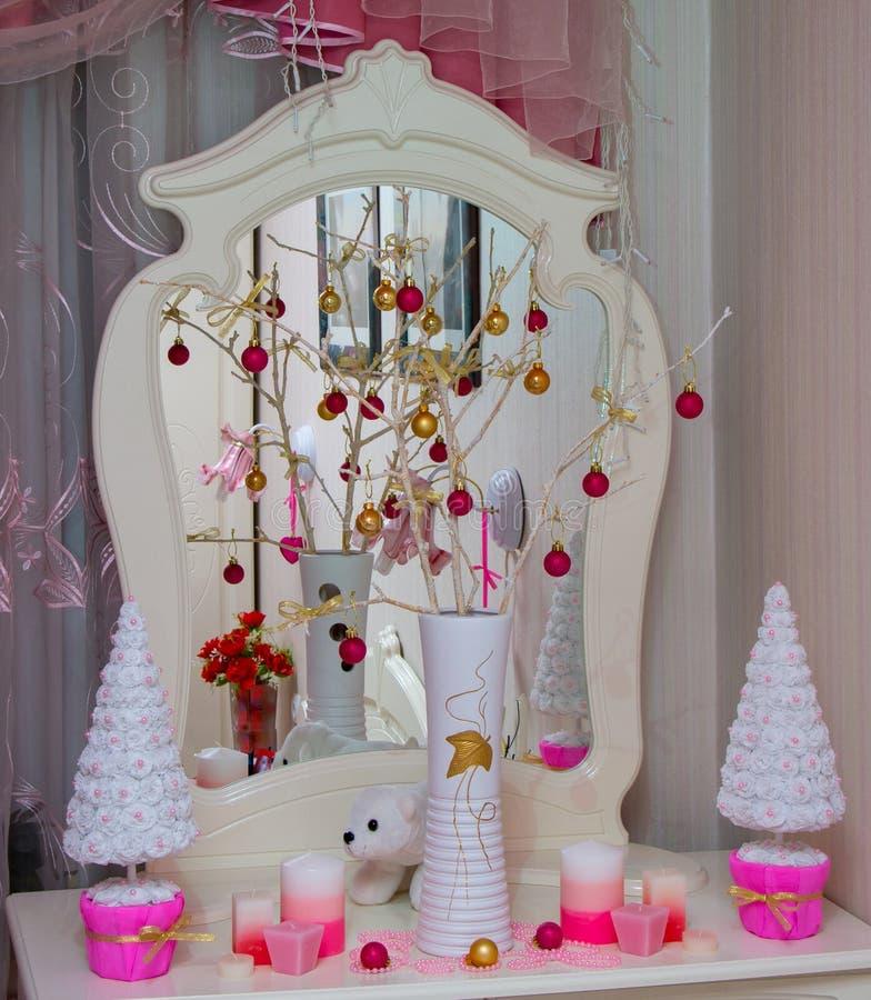 与镜子的圣诞节传说 免版税库存图片