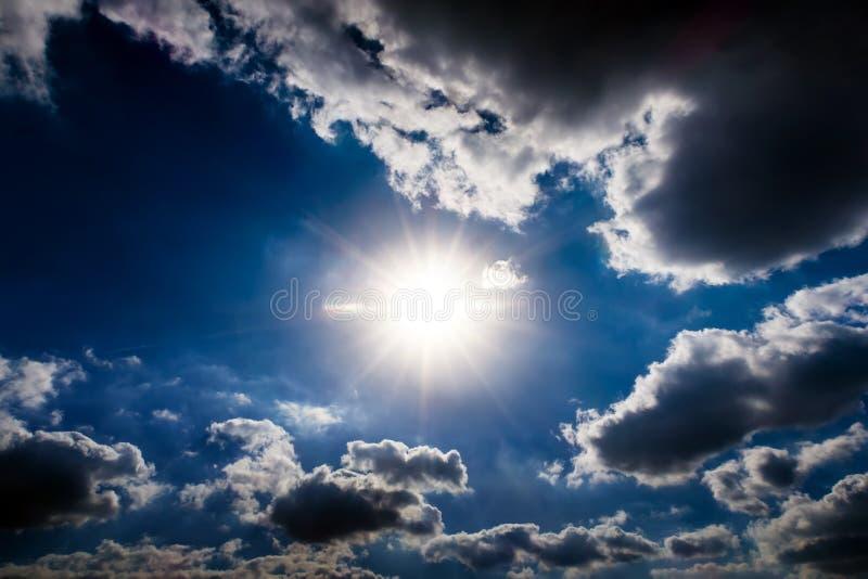 与阳光的Cloudscape 免版税库存照片