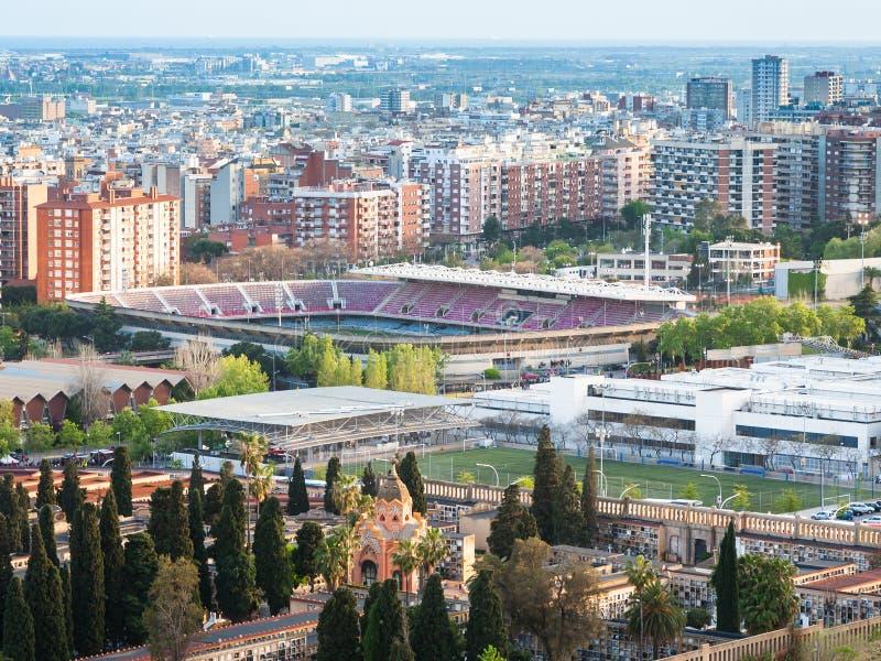 与阵营nou体育场的巴塞罗那都市风景 图库摄影