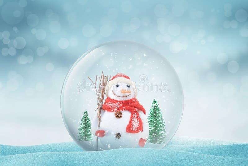 与雪人的圣诞节不可思议的在雪的球和树 图库摄影