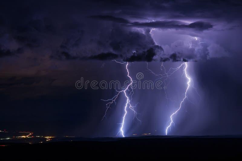 与雷电的严厉雷暴 免版税库存图片