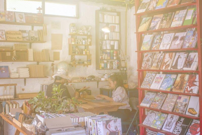 与顾客的书店 免版税库存图片