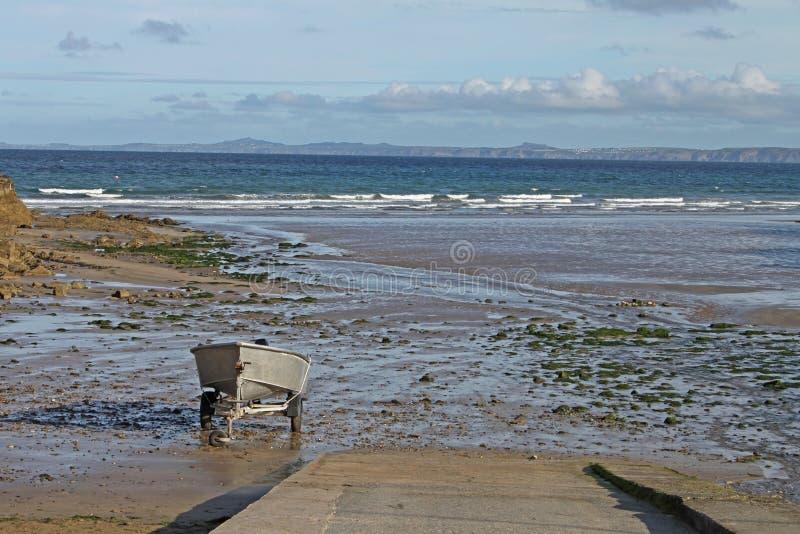 与风船的海景从clifftop, Pembrokeshire 图库摄影