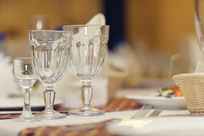 与香槟酒精鸡尾酒的玻璃 免版税库存照片