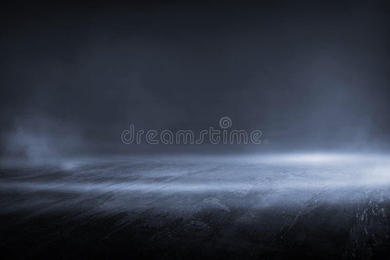 与高薄雾光的创造性的模糊的室外沥青背景 免版税库存图片