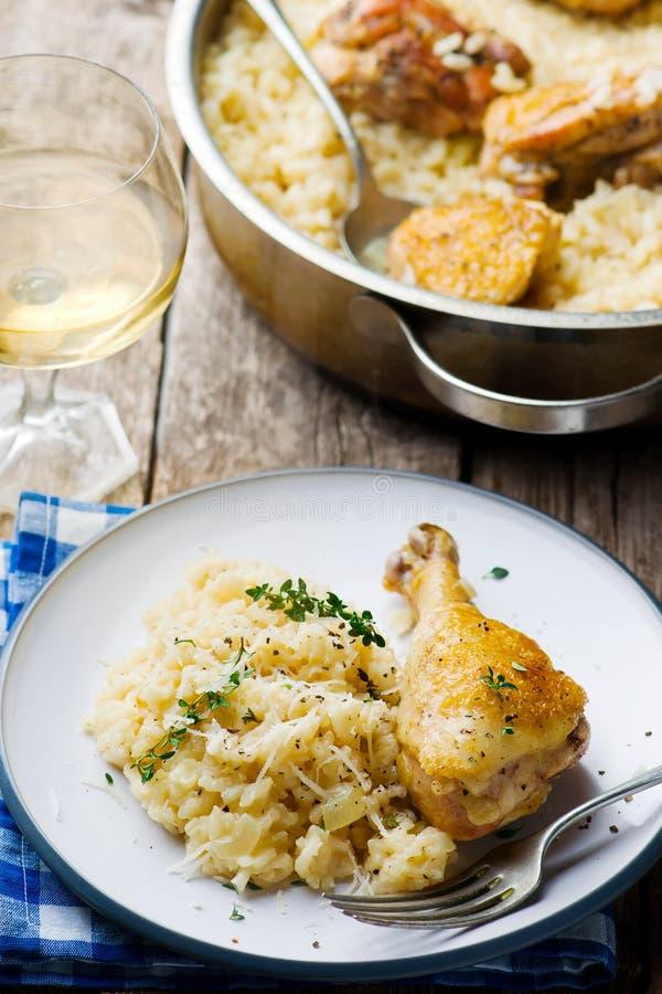 与鸡的一顿罐意大利煨饭 免版税图库摄影
