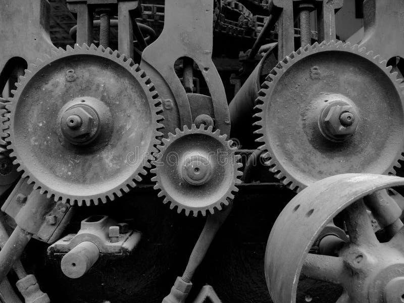 与齿轮的老机械 免版税库存图片