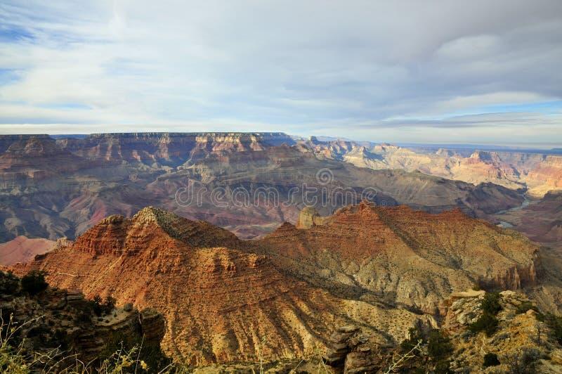 与阴云密布的大峡谷南外缘 免版税库存图片