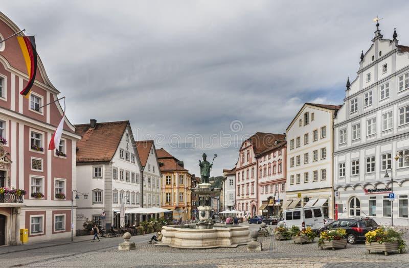 与巴洛克式的建筑学的正方形在Eichstatt 免版税图库摄影