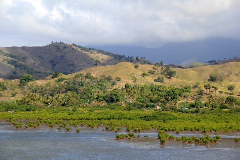 与水和山脉,前温斯顿,斐济的美好的风景, 2015年 免版税库存图片