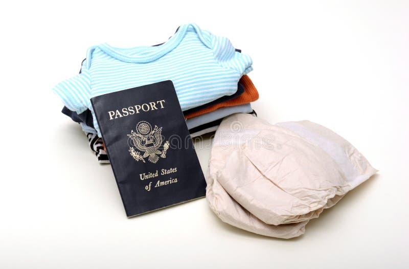 与婴孩的国际旅行 图库摄影