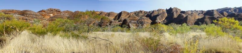与绵延山地质特点的澳大利亚风景。 免版税库存照片