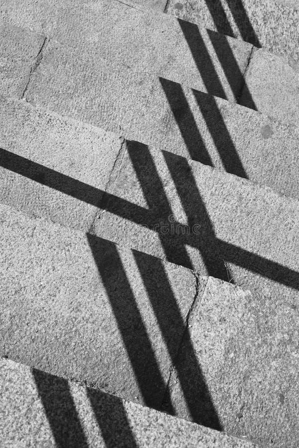 与阴影和石头步的几何构成 库存照片