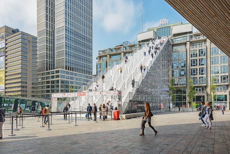 与180步的巨型楼梯从驻地正方形在Rotterdom,荷兰 免版税库存图片