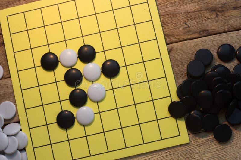 与黑白石头的igo中国棋