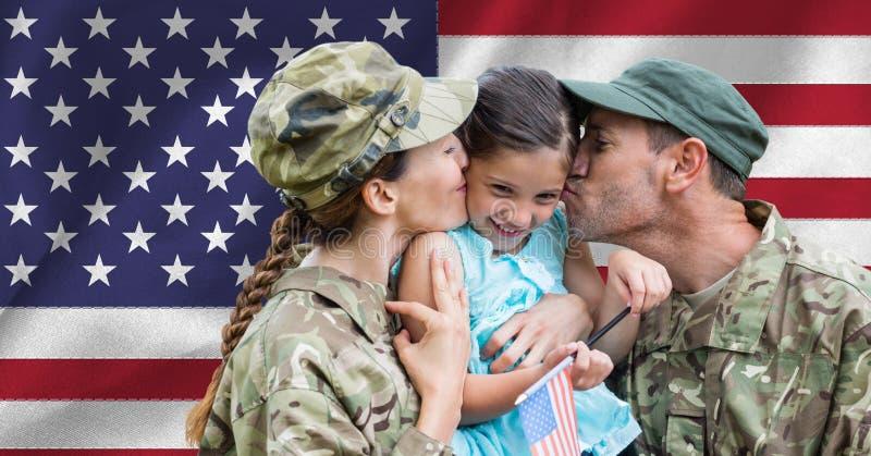 与他们的女儿团聚的战士夫妇 库存图片