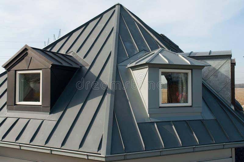 现代垂直的屋顶窗口 图库摄影