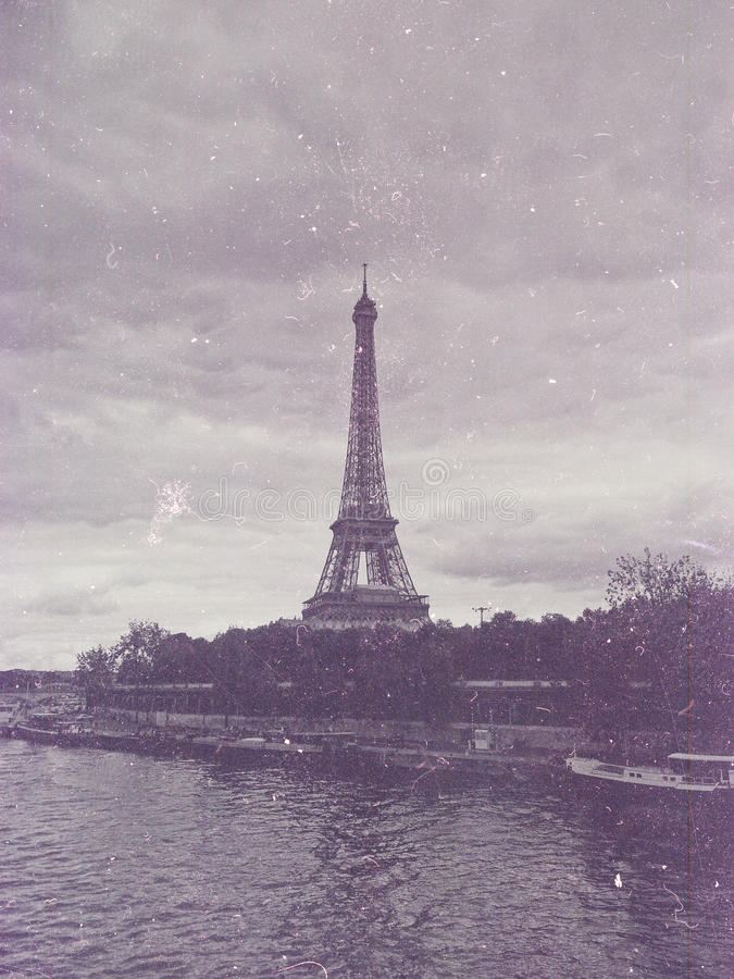 与巴黎,法国,葡萄酒的减速火箭的照片 免版税库存照片