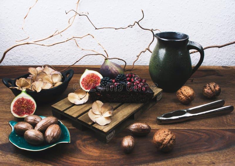 与chia种子的素食主义者饼,奎奴亚藜,鲕梨 库存图片