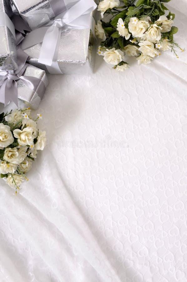 与copyspace的结婚礼物背景 免版税库存照片