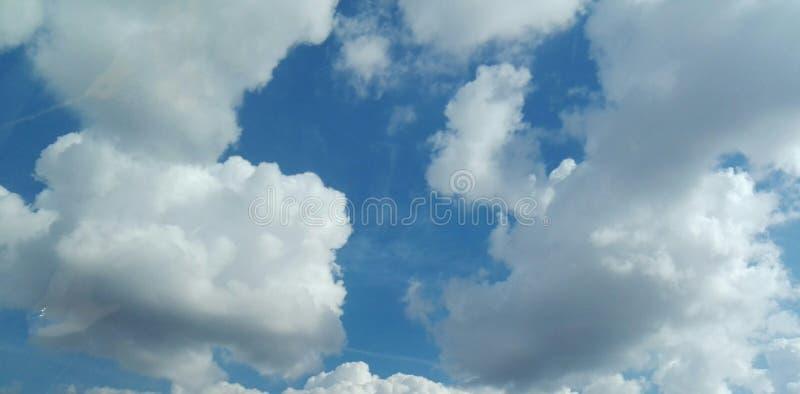 与coulds的天空 库存图片
