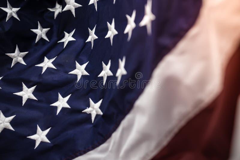 与embroided星的美国国旗在蓝色,红色和白色条纹 免版税库存照片