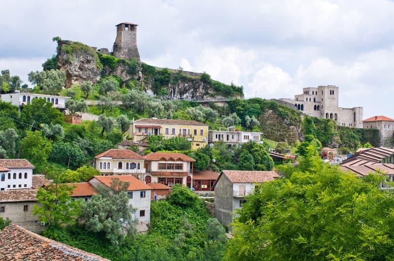 与Kruja城堡的场面在地拉纳,阿尔巴尼亚附近 免版税库存照片