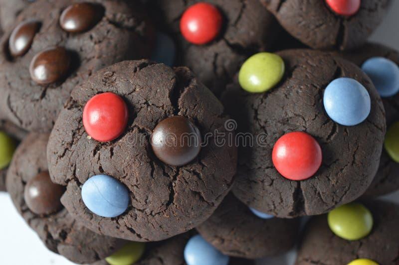 Download 与M&M的巧克力曲奇饼 库存照片. 图片 包括有 下落, 糖果, 自创, 五颜六色, 母亲, 孩子, 黄油 - 72366918
