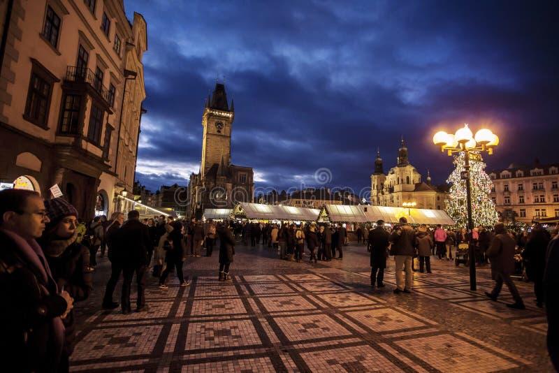 与Oldtown霍尔的圣诞节市场老镇中心的在布拉格 库存照片