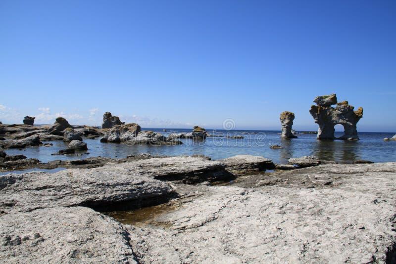 与Raukar的岩石海岸 库存图片