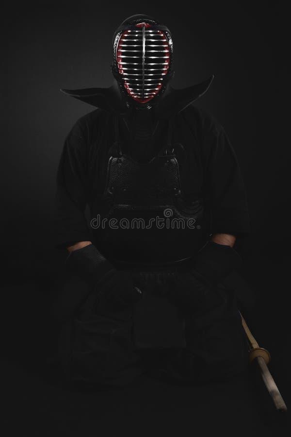 与shinai竹剑传统kendo装甲的Kendo战斗机 免版税库存图片