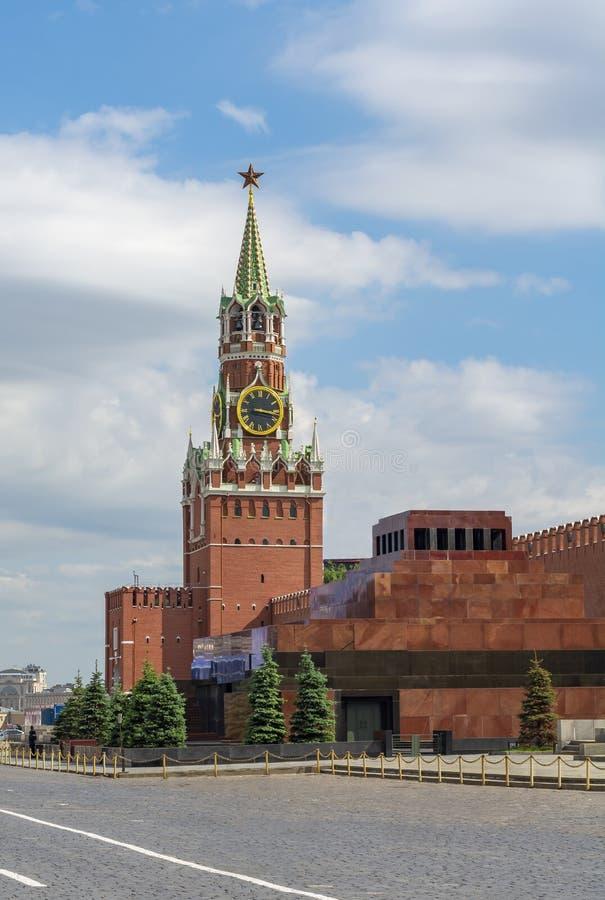 与Spasskaya塔和列宁陵墓,莫斯科,俄罗斯的红场 库存图片