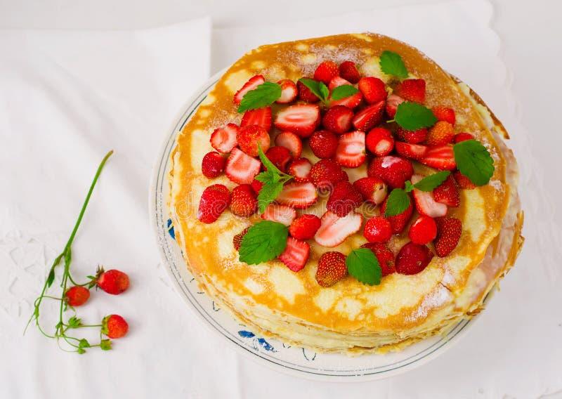 与srawberry的俄式薄煎饼饼 图库摄影