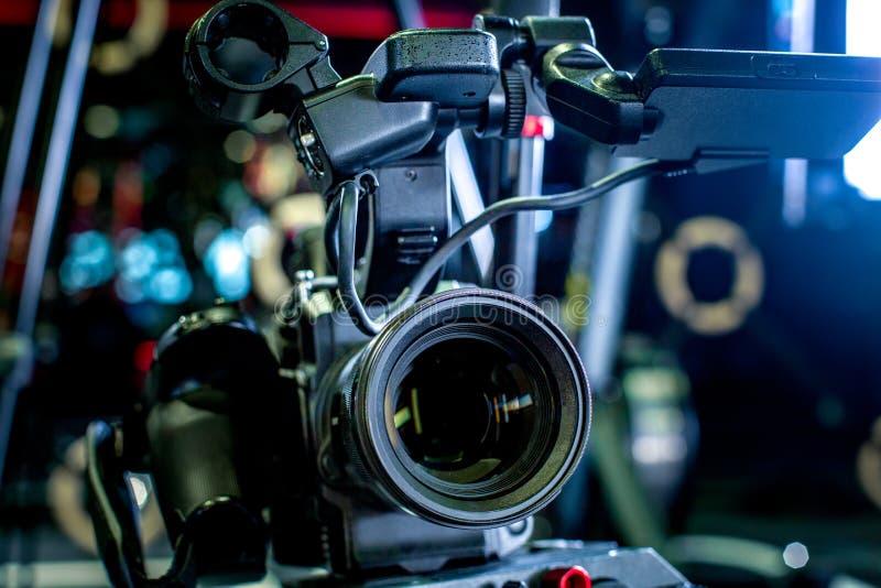 专业照相机设备,影片生产演播室细节  免版税库存图片