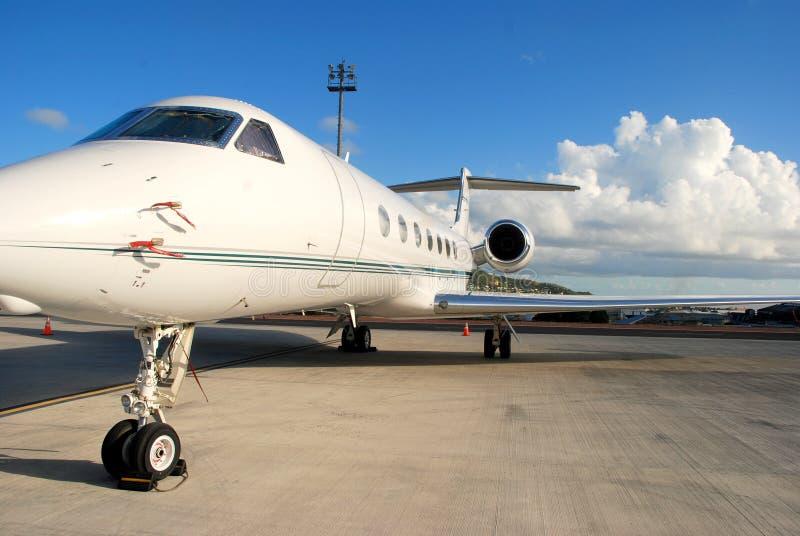 专用飞行的喷气机准备 免版税库存图片