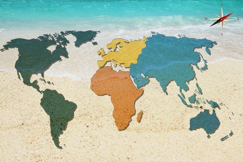 世界地图和指南针在海背景 库存例证