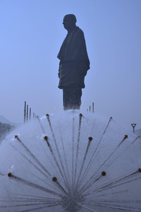 世界最高的雕象高度182米最近打开团结的雕象  库存照片