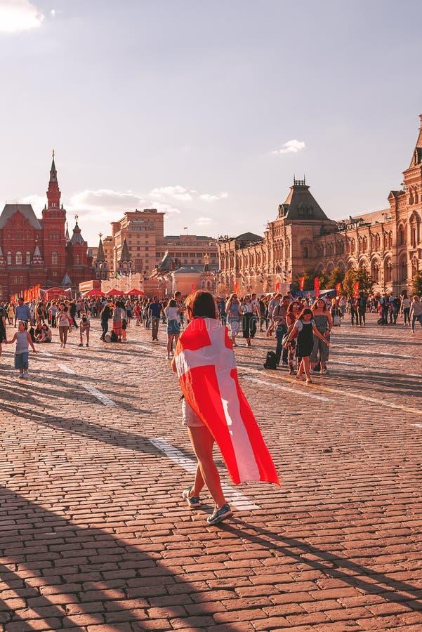世界杯的外国爱好者在红场的2018年 库存照片