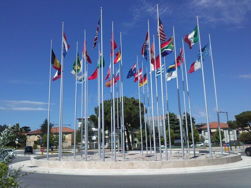 世界的不同的国家旗子  里米尼 意大利 库存图片