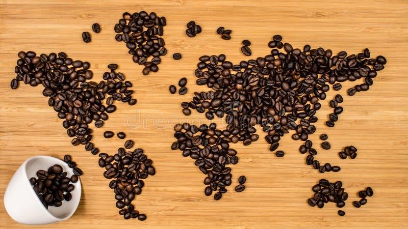 世界的地图由咖啡豆制成 库存照片