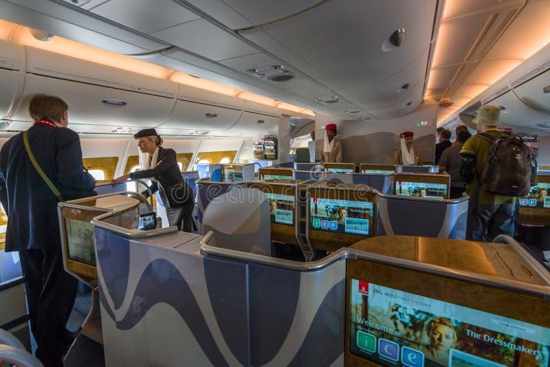 世界的巨型飞机空中客车A380的业务分类内部  图库摄影