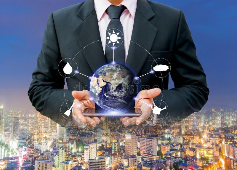 世界都市环境保护的环境和技术,美国航空航天局装备的这个图象的元素 免版税库存照片