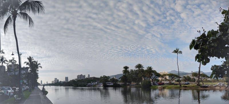 丙氨酸Wai运河、独木舟、旅馆、公寓房、高尔夫球场和椰子t 库存照片