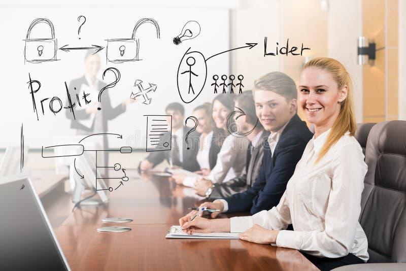 Download 业务会议人 库存图片. 图片 包括有 会议, 文件, 同事, 美国, 商业, 执行委员, 雇佣, 职业, 合同 - 62526165