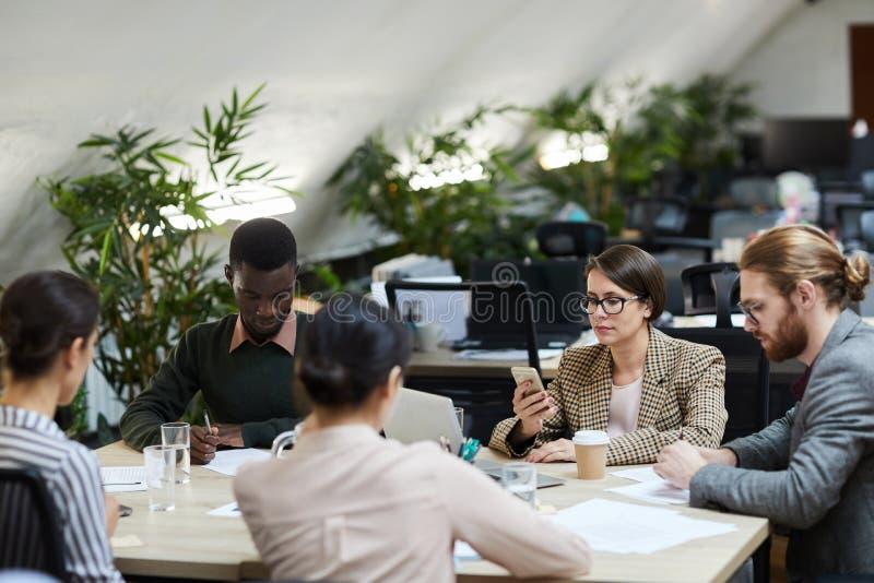业务会议在办公室 图库摄影