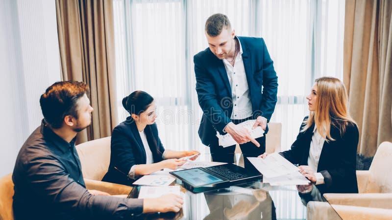 业务会议组长项目雇员 免版税图库摄影
