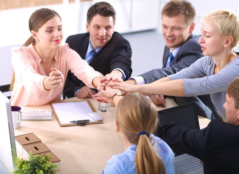 业务会议-经理谈论工作与 图库摄影