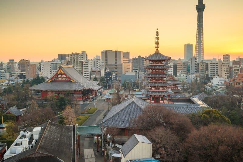 Download 东京地平线看法在微明的 库存图片. 图片 包括有 场面, 地标, 有历史, 吸引力, 日出, 黄昏, 天空 - 72370905