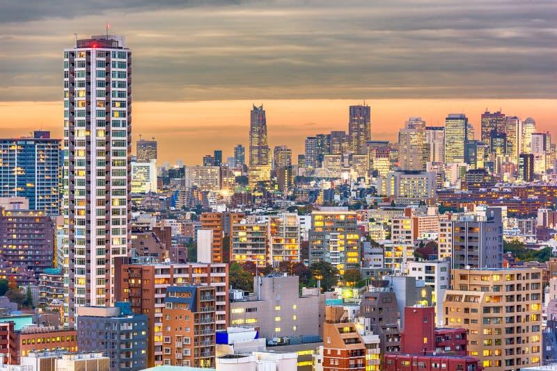 东京,日本微明都市风景 库存图片
